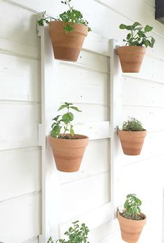 Are you looking for an easy wall planter full of farmhouse style? This DIY farmhouse style wall planter is exactly what you need! Outdoor Planters, Diy Planters, Planter Pots, Planter Ideas, Garden Planters, Succulent Planters, Concrete Planters, Balcony Garden, Hanging Planters