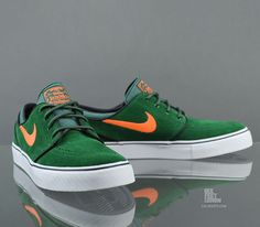 Nike SB Zoom Stefan Janoski, Me gustaría que fuera desgaste. Me gustan los zapatos~ Stefan Janoski Shoes, Nike Zoom Stefan Janoski, Best Sneakers, Orange Sneakers, Janoski Nike, Nike Skateboarding, Block Heel Loafers, Fresh Shoes, Mens Trends