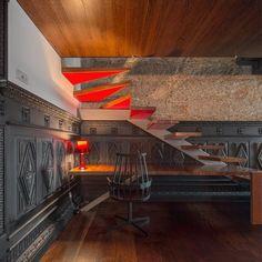 House in Guimarães by Elisabete de Oliveira Saldanha