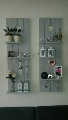 Pallet Furniture Projects Leuk - By the end of this creative roll of DIY pallet shelves, you'll want every shelf at your place. Pallet Crafts, Diy Pallet Projects, Home Projects, Pallet Ideas For Walls, Carpentry Projects, Wood Ideas, Wood Crafts, Homemade Wall Decorations, Decoration Palette