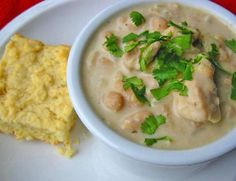 Here is the recipe for the Worlds Best Chicken Chili. And yes I guarantee you that its the best recipe for chicken chili that you'll ever taste in your life. Best Chicken Chili Recipe, Great Chili Recipes, Soup Recipes, Crockpot Recipes, White Bean Chicken Chili, White Bean Chili, White Beans, How To Cook Chili, Chili Cook Off