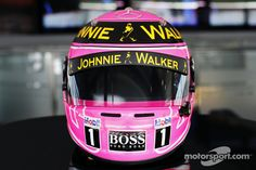 A special pink helmet for Jenson Button, McLaren, in memory of his late father John Button | Main gallery | Photos | Motorsport.com