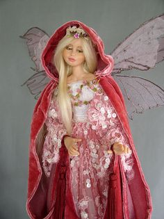 Royal fairy by Silke Janas Schloesser Karina loves this fairy!