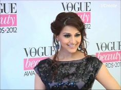 Gorgeous Sonali Bendre at VOGUE BEAUTY AWARDS 2012.