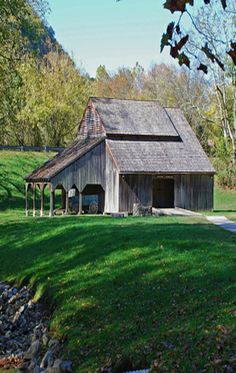 Barn in a Green Meadow~Lovely!! More