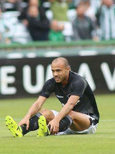 Blog Esportivo do Suíço:  Tumor renal tira Roger de campo e comove o Botafogo