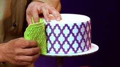 Silicone Onlays represent the latest innovation in cake decorating and offer the ability to apply beautiful and intricate designs to cakes very quickly when compared to conventional stencils. This is the official, step by step tutorial written by Chef Dominic Palazzolo which contains his recommendations on how to use this amazing new tool.