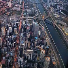 Marginal Pinheiros com a Ponte Estaiada by @nathy_azevedo #saopaulocity #marginalpinheiros