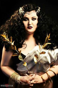 sarahissmiley:  I am Cleopatra Queen of the Nile. Image by MyBoudoirUK mua/h by Sarah Elliott. Model: Sarah H Plus www.facebook.com/SarahHPlus @SarahHPlus