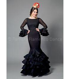 Flamenco Costume, Flamenco Skirt, Flamenco Dancers, Flamenco Dresses, Dress Websites, Traditional Dresses, Fashion Photo, Women's Fashion, Dress To Impress