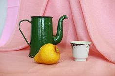 Still life, pink cloth, green teapot, bright yellow pear, white cup Still Life Drawing, Painting Still Life, Foto Still Life, Still Life Pictures, Drawing Competition, Still Life Fruit, Fruit Photography, Still Life Photographers, Drawing Lessons