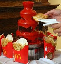 behold the wonder that is the ketchup fountain! Nichole would love this