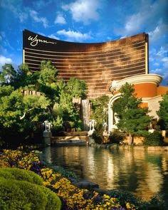 We don't recommend taking a dip, but isn't this view of #Wynn #LasVegas absolutely gorgeous? If you're all about that razzle-dazzle architecture and décor, this #hotel is for you.