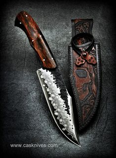Axe Sheath, Knife Sheath, Swords And Daggers, Knives And Swords, Blacksmithing Knives, Knife Throwing, Hand Forged Knife, Knife Art, Cool Knives