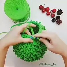 Pontos de Crochê Passo a Passo Para Iniciantes ✨ Learn the fact (generic term) of how to crochet, st Crochet Basket Pattern, Crochet Stitches Patterns, Crochet Motif, Diy Crochet, Knitting Stitches, Crochet Designs, Crochet Crafts, Crochet Projects, Knitting Patterns