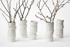 Oh I do like a wonky design. Ceramics by Lars Rank do the trick rather nicely. Such a simple idea executed beautifully. Slab Pottery, Ceramic Pottery, Pottery Art, Clay Design, Ceramic Design, Craft It Yourself, Slab Ceramics, Keramik Vase, Ceramic Jars