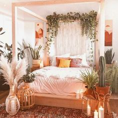 Natural life bohemian bed set- one of a kind! This chic bedding set is composed including bed body and the wooden frame around the bed. The bed board is ended with help of white tapestry, while the use of green bushes over the bed frame make you connected to the natural life.