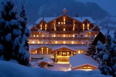 Grossarler Hof is a luxury boutique hotel in Grossarl, Austria. Book Grossarler Hof on Splendia and benefit from exclusive special offers ! Alpine Lodge, Four Rooms, Small Luxury Hotels, Ski Vacation, Beautiful Places To Visit, Outdoor Pool, Backdrops, Mansions, Houses