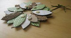 Corona de cartón ~ Portal de Manualidades Cardboard Recycling, Origami, Diy, Christmas Ornaments, Holiday Decor, Wedding, Portal, Home Decor, Coaching