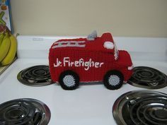 Ravelry: Fire Truck pattern by Melissa Harsh - Free pattern- how cute is this!-- This would be cute as a lovey with a stripe down the center to look like a street. Crochet For Boys, Knit Or Crochet, Cute Crochet, Crochet Crafts, Crochet Toys, Crochet Projects, Crochet Things, Crochet Ideas, Crochet Monsters