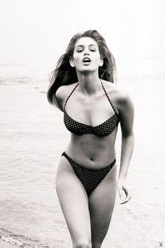 Cindy Crawford #vintage #bestbeachbodies #voguedaily