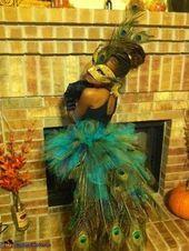 Peacock Costume - Halloween Costume Contest via Peacock Halloween Costume, Halloween Costume Contest, Halloween 2015, Holidays Halloween, Halloween Party, Girls Peacock Costume, Halloween Couples, Group Halloween, Creative Costumes