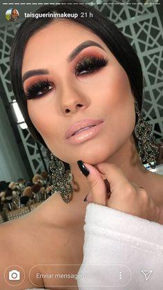 dark smokey eye makeup with nude lips - Eye Makeup Bold - Eye Makeup Dark Smokey Eye Makeup, Bold Eye Makeup, Beautiful Eye Makeup, Makeup For Green Eyes, Natural Eye Makeup, Glam Makeup, Hair Makeup, Sexy Make-up, Eyeliner Shapes