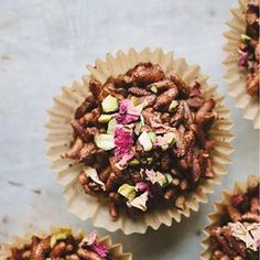 Cardamom, pistachio + rose chocolate crackles. Recipe now up on my site ✌🏾