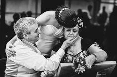 Nos encantan los momentos emotivos We like emotional moments #boda #wedding #zaragoza #Spain #davidyloreto #fotografiadeboda #weddingphotography #ceremonia http://davidyloreto.com