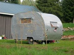 Vintage Trailers: Some Qs to Ask Before You Buy One vintage-campers-and-trailers