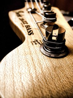 Fender Jazz Bass headstock