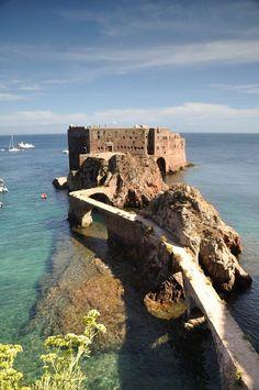 Secret Places: Portugal - Fort of São João Baptista, Berlengas is. Us Travel, Places To Travel, Places To See, Beautiful Buildings, Beautiful Places, Portugal, Secret Places, Continents