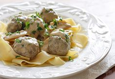 Swedish Meatballs #lowcarb #beef #appetizer #noodles #weightwatchers 5 points+
