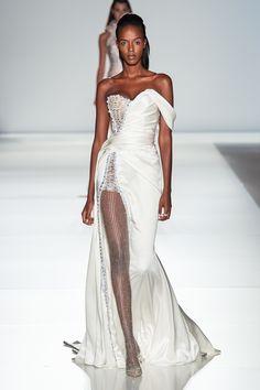 Ralph & Russo Spring 2020 Couture Fashion Show - Ralph & Russo haute couture Paris fashion show spring 2020 bridal gown - Haute Couture Paris, Haute Couture Style, Haute Couture Dresses, Spring Couture, Look Fashion, Runway Fashion, Fashion Show, Paris Fashion, Bridal Fashion Week
