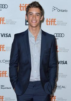 Pin for Later: 7 Actors Who Almost Played Hazel and Gus in The Fault in Our Stars Brenton Thwaites This Summer's breakout star Brenton Thwaites (he has a role in Maleficent and as the lead in The Giver) tested for the role of Gus. Teen Boy Haircuts, Richard Grayson, Brenton Thwaites, Cute Teenage Boys, Cute Actors, Attractive Men, Good Looking Men, Hot Boys, Handsome Boys