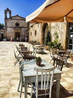 Marzamemi, piazzetta del piccolo borgo di pescatori - Sicilia