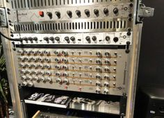 SDS-3 simmons drum clone from SIMMONS MUSEUM