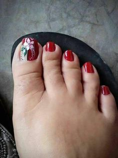 De pie Pedicure Nail Art, Pedicure Designs, Diy Nail Designs, Toe Nail Art, Pretty Toe Nails, Cute Toe Nails, Polka Dot Nails, Feet Nails, Flower Nail Art