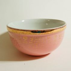 Items similar to Eva Zeisel - Hall China Gold Label Bowl - Pink Basketweave on Etsy Hall Pottery, Hall Design, Gold Labels, Vintage China, Basket Weaving, Red And Pink, Red Roses, Dinnerware, Tea Pots