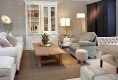 Mooi wonen is een kunst. Het vraagt om een creatieve artiest. De interieurstylisten van Mart weten wat kunst is. Wit, wonen, banken, chair, stoel, kast, salontafel. www.martkleppe.nl