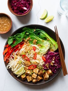 Peanut Tofu Noodle Bowl Recipe You are in the right place about tofu recipes salad Here we offer you the most beautiful pictures about the delicious tofu re Rice Recipes For Dinner, Tofu Recipes, Lunch Recipes, Asian Recipes, Vegetarian Recipes, Cooking Recipes, Healthy Recipes, Pickled Red Cabbage, Tofu Noodles