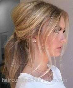 Beautiful Cute Ponytail Hairstyles for Medium Hair The post Cute Ponytail Hairstyles for Medium Hair… appeared first on Haircuts and Hairstyles .