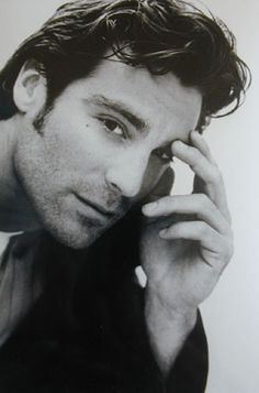 michael t weiss / originally on Days of Our Lives, then the Pretender, then 1991 remake of Dark Shadows.  He was a hottie.