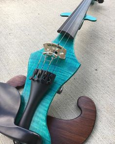 A really unique color combination on a really unique instrument. . . Vector Violins are some of the lightest available. Made from locally sourced woods in Nova Scotia they feel and sound amazing. . . They also make high quality fractional sized Electric Violins. If you have a young player who needs a pro level instrument this is pretty much the only place you can turn. . . Check our website for pricing and availability. Link in bio. . . #violin #violinist #violinplayer #instrument #violon…