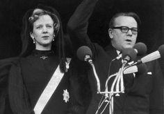 El día después del fallecimiento del rey Federico IX, Margarita fue nombrada reina de Dinamarca, Groenlandia y las Islas Feroe.