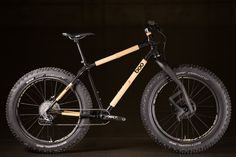 You know, I've never been someone who freaks out over a bamboo bicycle and I'm sure some of you might feel the same. Yet when I look at this Boo Bicycles SL-F fatty with that crazy Carbonara front for...