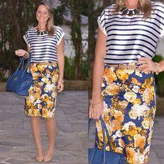 regram @mirceiaramos Bom dia Classic Lovers ❤ começando o dia apaixonadas pela produção da cliente de Porto Alegre - RS que arrasou na combinação de estampas com a nossa saia lápis floral   #saialapis #saialapisfloral #mxdeestampas #navy #fashionista #listras #stripes #fashion #trend #floral #welove #elasusam #classicway