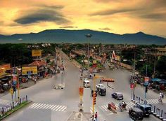Wow... What a beautiful view of Siliguri CIty.  How many have had this view from Hill Cart Road? Like and share this stunning pic...