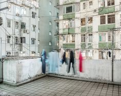 These Eerie Photos Make Megacities Look Totally Deserted Dunhuang, Shanghai, Photo D'architecture, Paradise Garage, Invisible Cities, Cyberpunk Aesthetic, Urban Architecture, Urban Photography, Exposure Photography