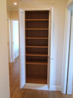 Cabine armadio su misura in legno per corridoio. | Arredi su misura ...